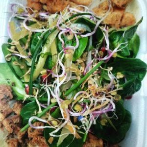 Feldsalat mit Sprossen